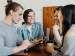 La communication unifiée s'inscrit dans l'organisation du travail hybride